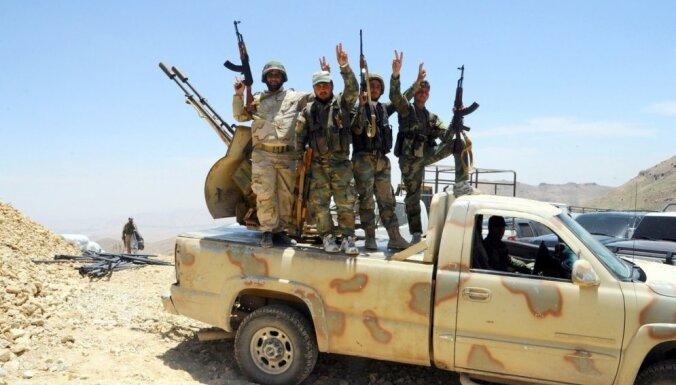 """Американские военные признали, что косвенно вооружали боевиков """"Аль-Каиды"""""""