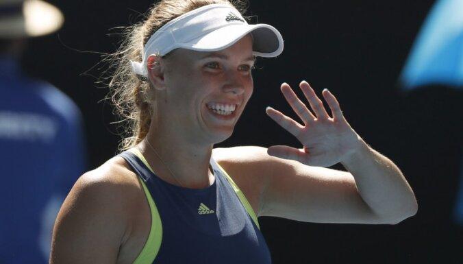 В финалах Australian Open сыграют Федерер — Чилич и Халеп — Возняцки