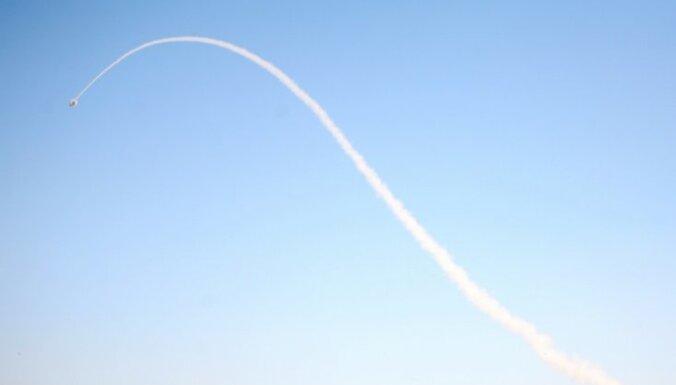 Учебная ракета упала в дюны за пределами полигона