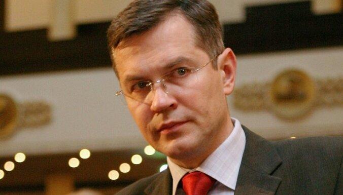 Deputāts Latkovskis par Strīķes pazemināšanu amatā: Tas ir noziegums pret valsti