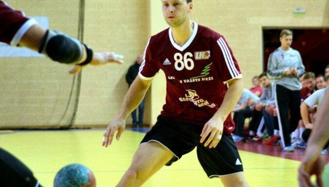 Latvijas handbolisti uzveic Urugvaju un nodrošina uzvaru IHF attīstības turnīra apakšgrupā