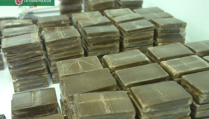 ВИДЕО: В Литве задержана рекордная контрабанда наркотиков на 20 млн евро