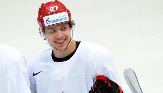Krievijas izlasei spēlē pret Latviju varēs palīdzēt Panarins