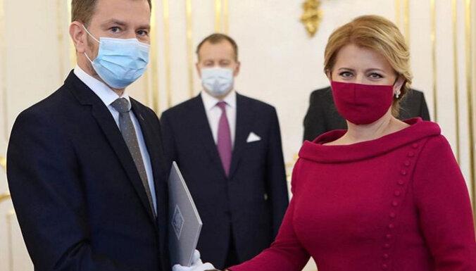 Маска в тон платья — новый тренд коронавирусной моды