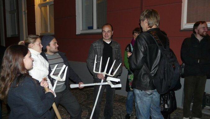 У Сейма 60 человек протестовали против ЦС в коалиции