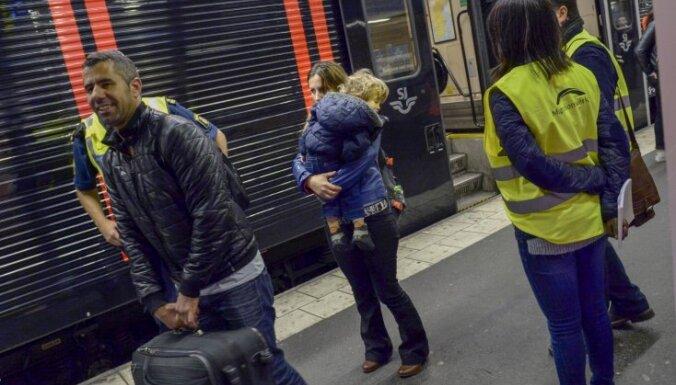 'Delfi' Zviedrijā: Bēgļi un brīvprātīgie jeb perons 19b Stokholmas stacijā