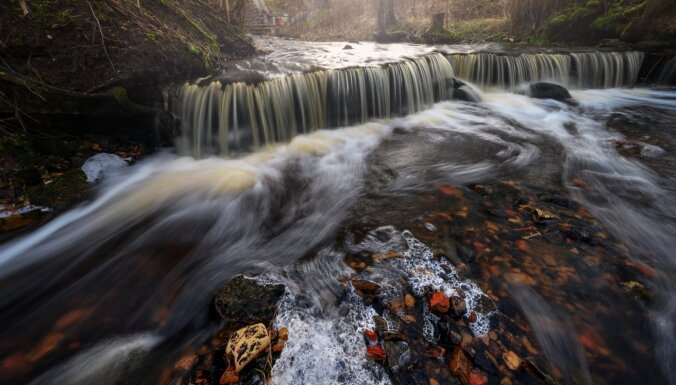 ФОТО, ВИДЕО. Неизвестная Латвия: как найти спрятанные под Сигулдой водопады Нурмижу и Вейупите?