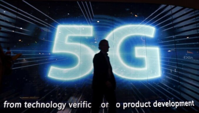 Tramps pret kiberuzbrukumiem iecerējis cīnīties ar 5G tīklu