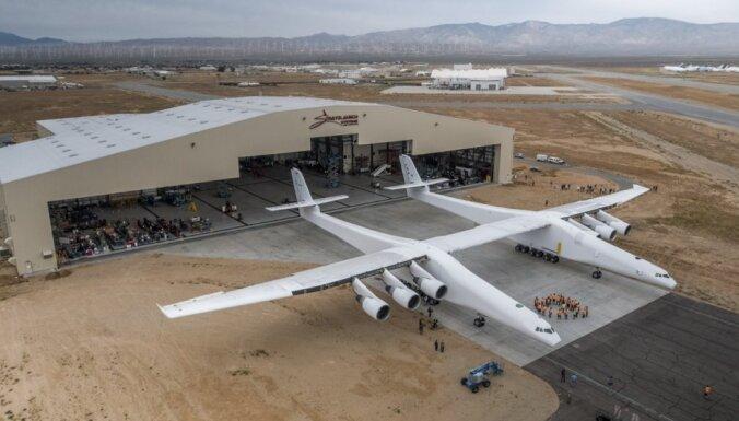Компания покойного миллиардера Пола Аллена закрывается и продает крупнейший самолет в мире