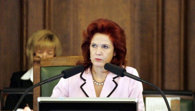Āboltiņa: parlamentārajiem sekretāriem cītīgi jāstrādā un jāpauž politiskais viedoklis