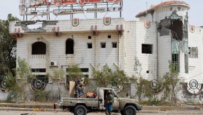 Jemenas konflikts: cīņas Hudeidā turpinās, kritušie abās karojošajās pusēs