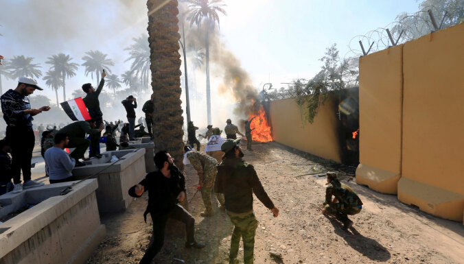Иракцы штурмуют посольство США в Багдаде. Вашингтон заявляет, что ситуация под контролем