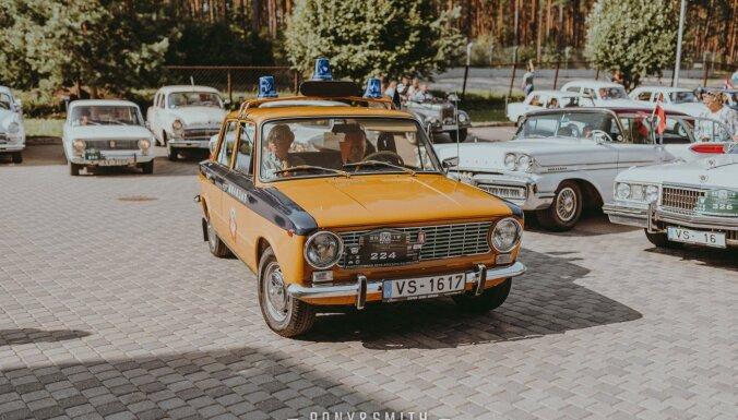 В субботу в Даугавпилсе состоится выставка и парад ретро автомобилей