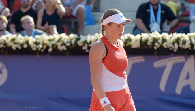 Ostapenko izstājas no 'US Open' dubultspēlēm