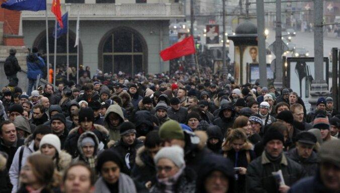 Krievijā pret vēlēšanu rezultātiem protestē desmitiem tūkstošu neapmierināto