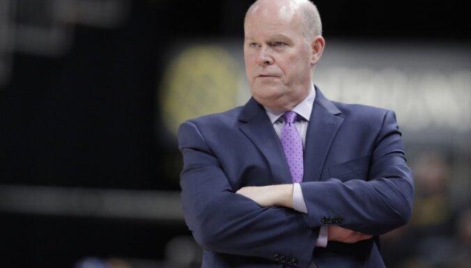 Amatu zaudē arī Šarlotas 'Hornets' galvenais treneris Klifords