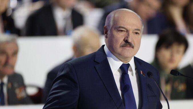 Лукашенко допустил появление белорусской Covid-вакцины во второй половине года