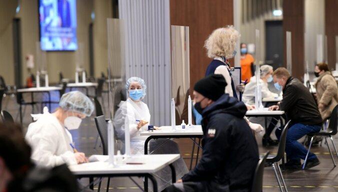 Lieldienu brīvdienās no potes pret Covid-19 atteikušies 60% vakcinējamo, secina VCA