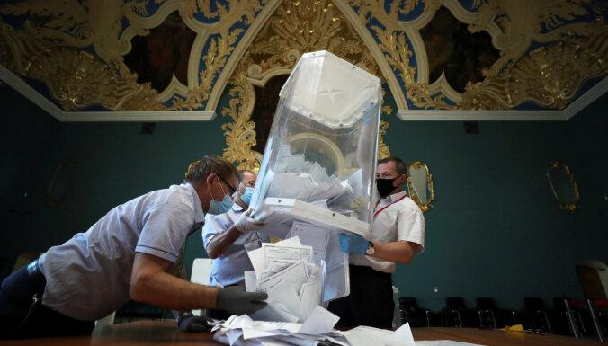 Лазейки, аномалии, сломанная рука. Основные нарушения на всероссийском плебисците по Конституции