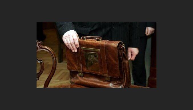 EK vēlas izskatīt ES valstu budžetus pirms to nodošanas parlamentā