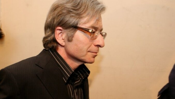 Apsūdzētais bijušais Jūrmalas mērs Juris Hlevickis pēc sprieduma nolasīšanas Augstākajā tiesā, kur apelācijas kārtībā izskatīja Jūrmalas mēra vēlēšanu kukuļošanas krimināllietu un atstāja spēkā iepriekšējo sodu.
