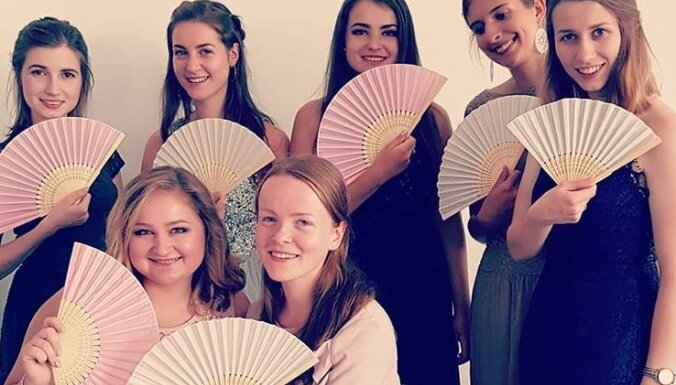 ФОТО. Веер — стильный аксессуар и способ охладиться в жаркую погоду
