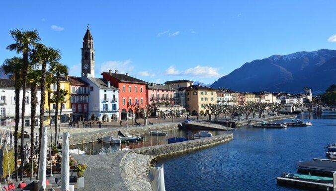 Piecas šarmantas Eiropas pilsētiņas ainavisku ezeru krastos