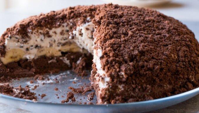 'Kurmja rakums' – šokolādes biskvīta torte ar banānu un krēma pildījumu