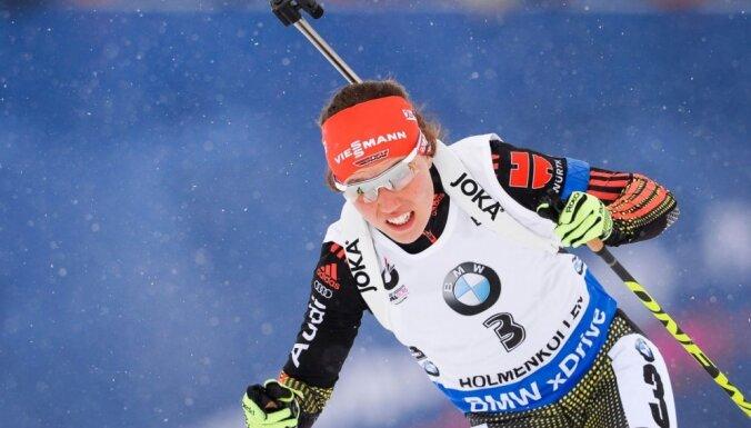 Латвийская биатлонистка — в топ-40 в гонке на 15 км, а победила немка
