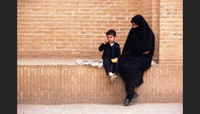 Спецслужбы ФРГ сообщили об опасных исламистах среди женщин и детей