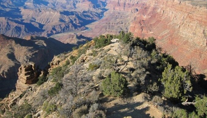 ВИДЕО: Канатоходец прошел над Гранд-Каньоном без страховки