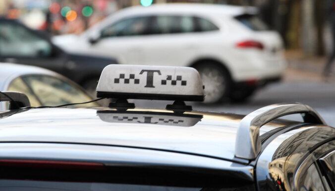 Пассажиры такси обязаны надевать маску; машину нужно проветривать после каждого клиента