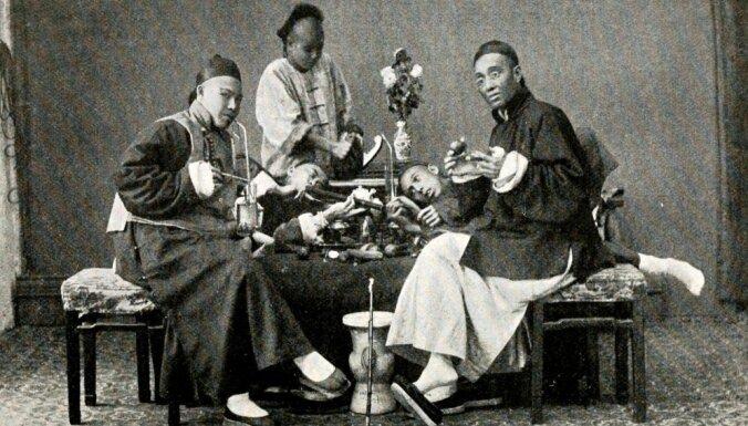 Atskats vēsturē: Kā Ķīnai uzspieda opija atkarību un atņēma Honkongu