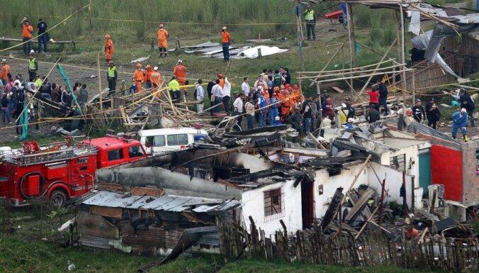 Naftas produktu vada sprādzienā Kolumbijā 11 bojāgājušie