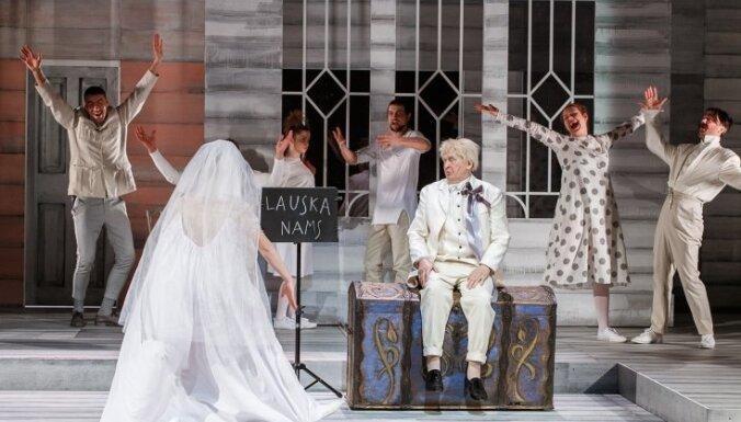 Valmieras teātris ar izrādēm 'Baladīna' un 'Vidzemnieki' viesosies Rīgā
