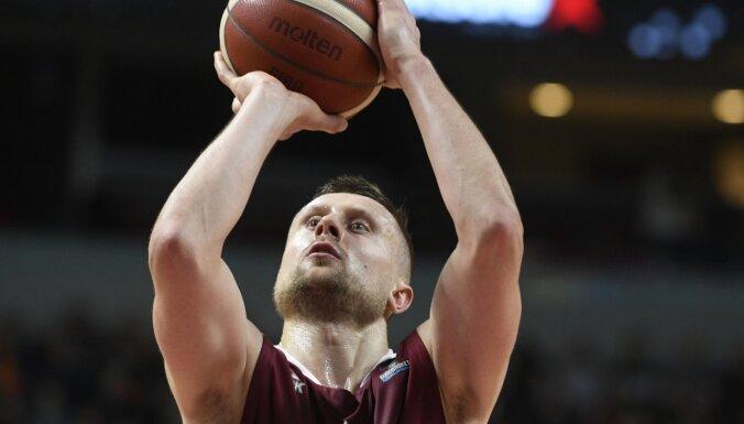 Basketbolisti ārzemēs: Laksa gūst 16 punktus Polijā, Gražulim – 8 Itālijā, Spānijā atzīmējas arī Šmits un Kurucs