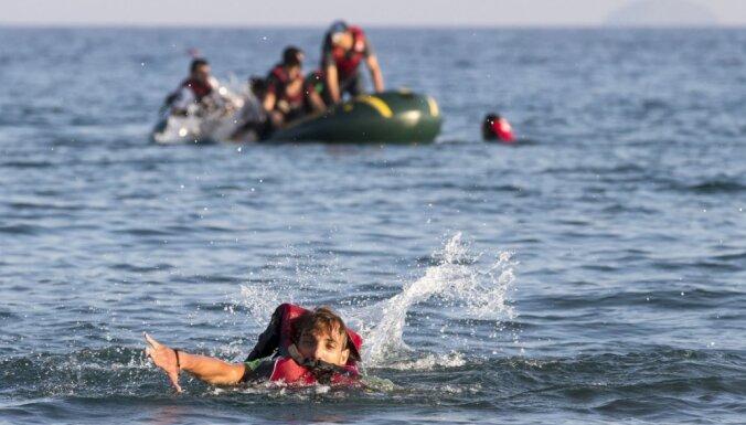 Grieķija martā prognozē trīskāršu patvēruma meklētāju skaita palielināšanos