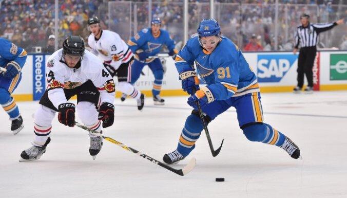 St.Louis Blues Vladimir Tarasenko, Chicago Blackhawks Niklas Hjalmarsson