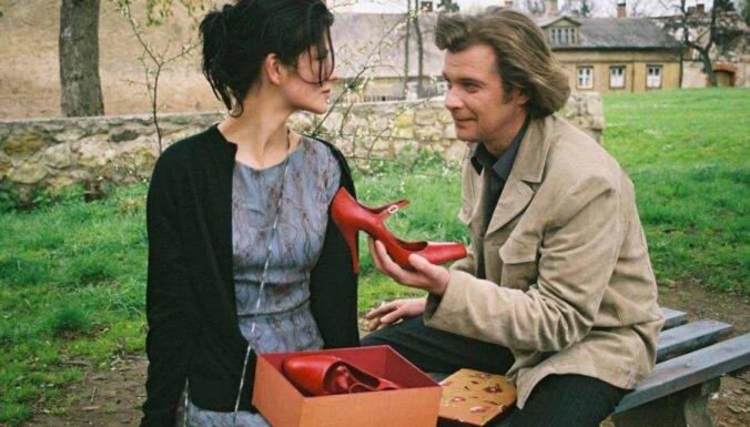 Filmas apskats: Mona – izdomātā mīlestība