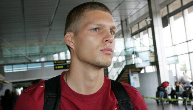 Известный легкоатлет стал тренером чемпионов Латвии по футболу