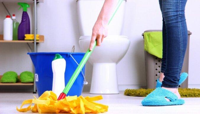 Ātrā vannasistabas tīrīšana jeb Kā telpā ieviest kārtību 15 minūtēs
