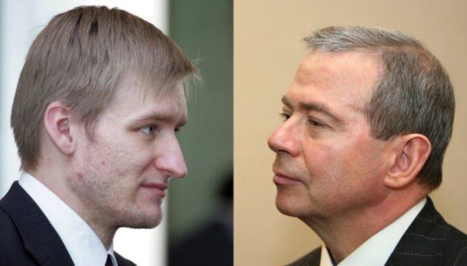 Лембергс призвал Домбровскиса оценить соответствие Спруджса занимаемой должности