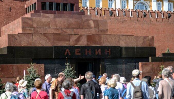 Pēc remonta apmeklētājiem atvērts Ļeņina mauzolejs
