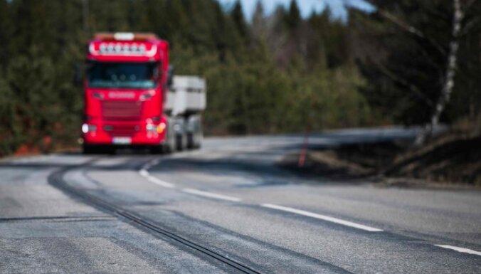 В Швеции появилась уникальная дорога: электромобили заряжаются на ходу