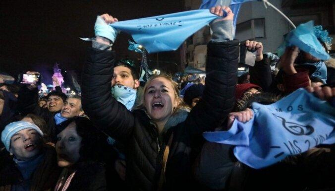 Argentīnas Senāts neatbalsta abortu legalizāciju