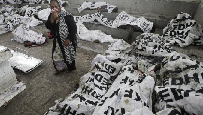 Pakistānā turpina meklēt nāvējošās ugunsnelaimes upurus