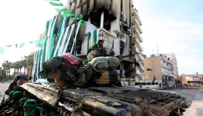 Lībijas pagaidu parlaments noraida ierosināto 'krīzes' valdības sastāvu un izsaka neuzticību premjeram