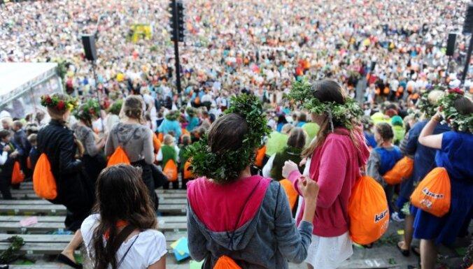 Svētku pārstāvji nekomentē pašvaldību gatavību rīkot Skolu jaunatnes dziesmu un deju svētkus