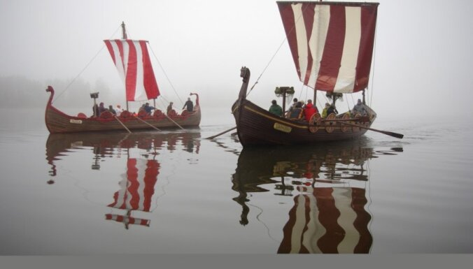 Pēc vikingu parauga gatavotā Zemgales liellaiva 'Namejs' - izstādē 'Balttour 2014'