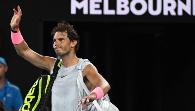 Первая ракетка мира Надаль не доиграл четвертьфинал AusOpen, а Федерер вышел в полуфинал